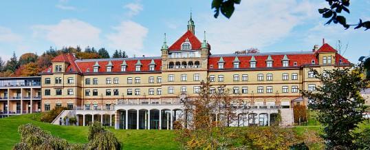 Hotel-hovedbygning-efteraar-538x218